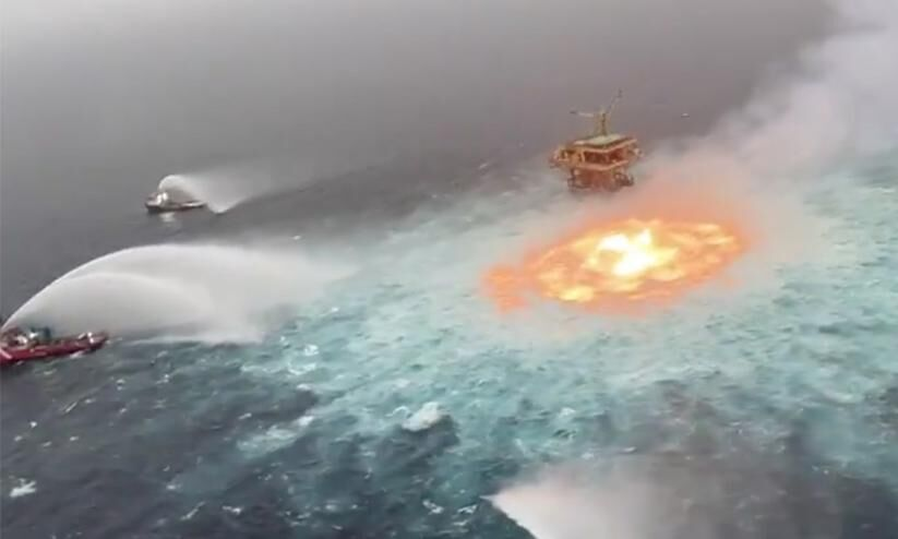 Will the sea catch fire ?;  Watch the video |  Fire Rages In The Middle Of Ocean Near Mexico Viral Video