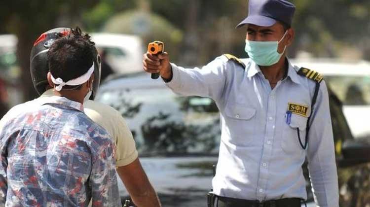 മുംബൈ ചേരികളിൽ കോവിഡ് രോഗികൾ കൂടുന്നു