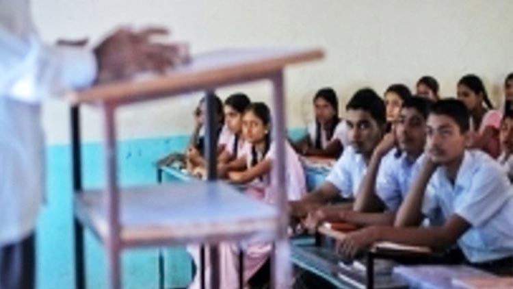 വിദ്യാർഥികൾക്ക് ക്ലാസ് കയറ്റം നൽകി ഛത്തീസ്ഗഡ് സർക്കാർ
