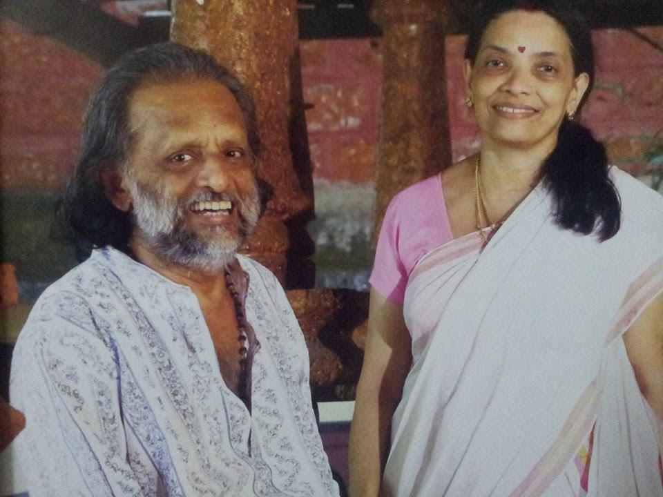 Kaithapram-Damodaran-Namboothiri-with-wife