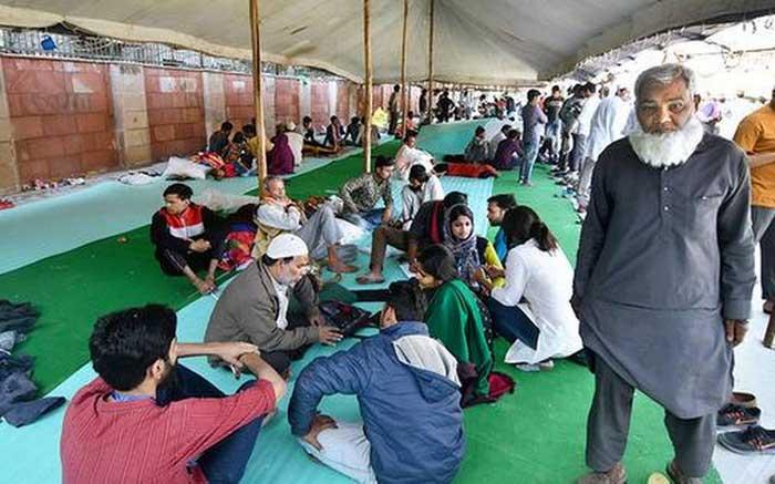 ഡൽഹിയിൽ ചികിത്സ നിഷേധിക്കെപ്പട്ടവർക്കായി താൽക്കാലിക ആശുപത്രിയൊരുക്കുന്നു