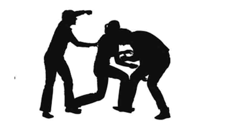 ടിപ്പർ ൈഡ്രവറെ വിളിച്ചുവരുത്തി മർദിച്ച് ബൈക്കും കത്തിച്ചു; ഒരാൾ കസ്റ്റഡിയിൽ