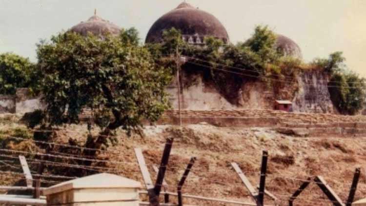 ബാബരി മസ്ജിദിന് സ്ഥലം സരയൂ തീരത്ത്?