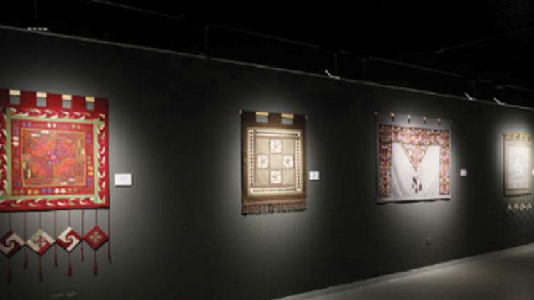 നൂറ്റാണ്ടുകളുടെ കിർഗിസ് എംേബ്രായ്ഡറി ചരിത്രവുമായി കതാറയിലെ പ്രദർശനം