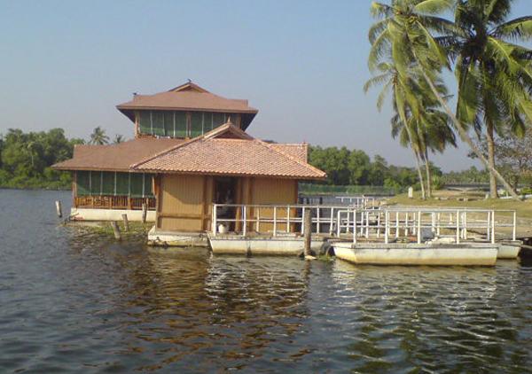 floating-village-old