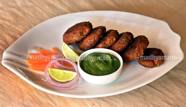 Galouti Kebab with Peppermint Chatni