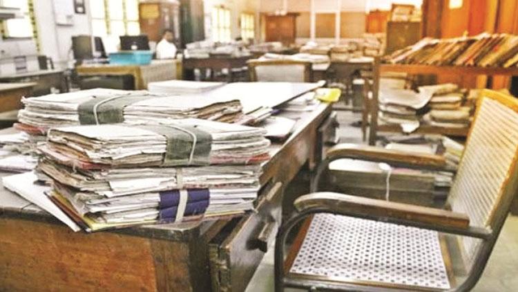 കോവിഡ് ജാഗ്രത: സർക്കാർ ഓഫീസുകളിൽ ജീവനക്കാരുടെ എണ്ണം പകുതിയാക്കി