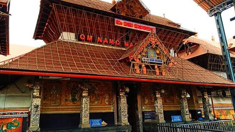 കോവിഡ് ഭീതി: ഗുരുവായൂർ ക്ഷേത്രത്തിൽ നാളെ മുതൽ ഭക്തർക്ക് പ്രവേശനമില്ല
