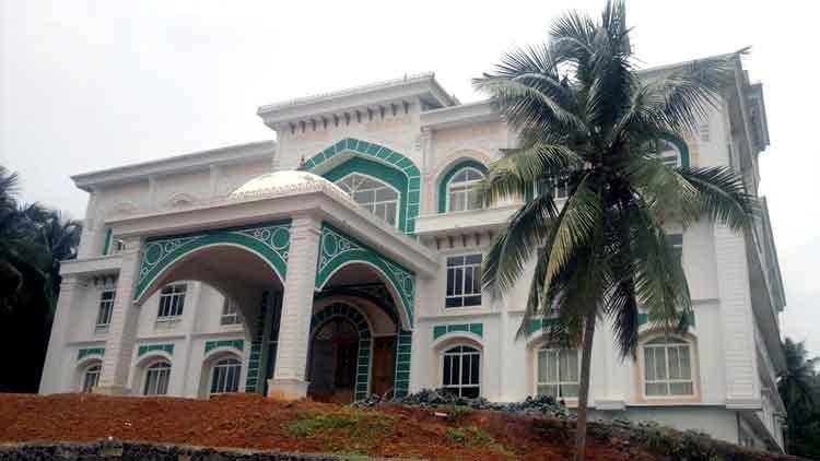 ഹജ്ജ് ഹൗസ് 320 കിടക്കകളുള്ളകോവിഡ് ഫസ്റ്റ് ലൈന് ചികിത്സ കേന്ദ്രമാക്കി
