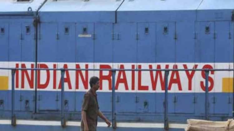 കോവിഡ്: റെയിൽവെ നിർമിച്ചത് ആറു ലക്ഷം മാസ്കുകളും 40000 ലിറ്റർ അണുനശീകരണിയും