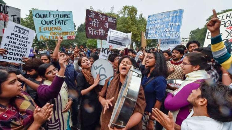 ജെ.എൻ.യു ഫീസ് വർധന: മാനവ വിഭവശേഷി മന്ത്രാലയത്തിലേക്ക് മാർച്ച് VIDEO