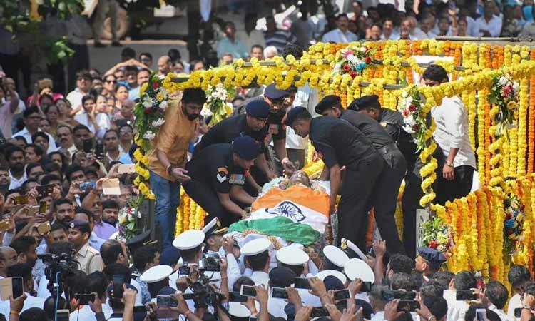 manohar-parikar-cremated