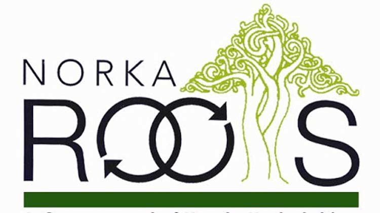 പ്രവാസികൾക്ക് 5000 രൂപ നോർക്ക ധനസഹായം; ഭാര്യയുടേയോ ഭർത്താവിേൻറയോ അക്കൗണ്ട് നൽകാം