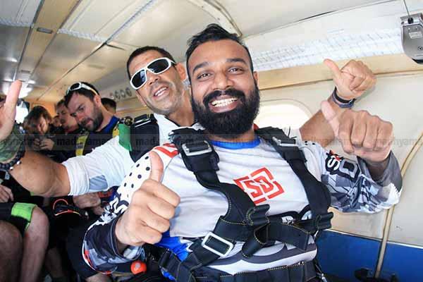 pahalisha-dubabi-skydive
