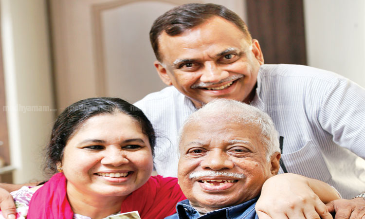 punathil-with-daughter-and-son