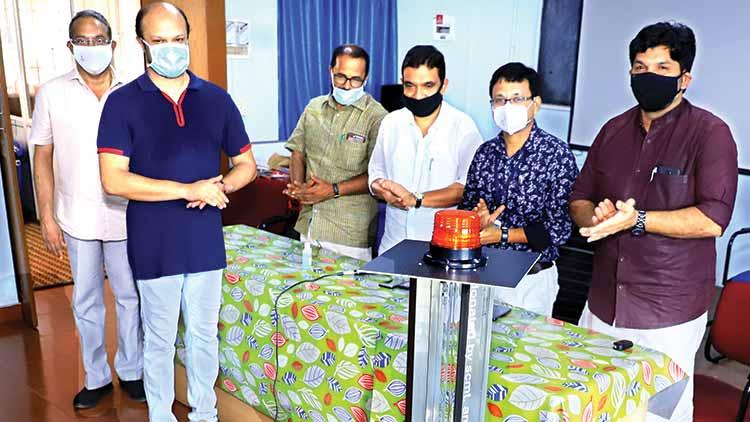 കാസർകോട്ട് ജില്ല ആശുപത്രി അണുമുക്തമാക്കാൻ  റോബോട്ടും