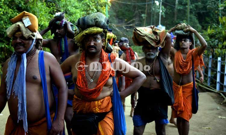 sabarimala-devotees