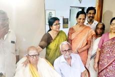 Akkitham-with-family.