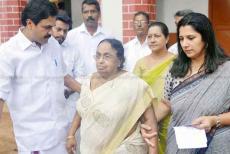 KM-Mani-wife-kuttiyamma