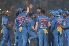 indian-team-101119.jpg