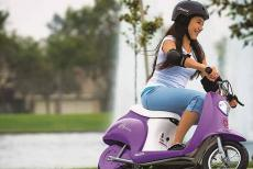 moped-riding