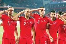 turkey-footballers-salute