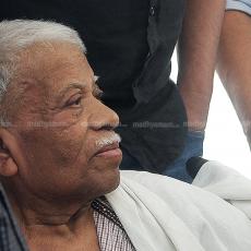 സ്മാരകശിലകള് ബാക്കി (പുനത്തില് കുഞ്ഞബ്ദുള്ള 1940-2017)