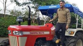 dhoni-tractor1
