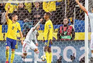 Rodrigo-celebrates-scoring.jpg