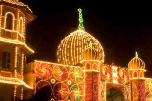decorated-mosque