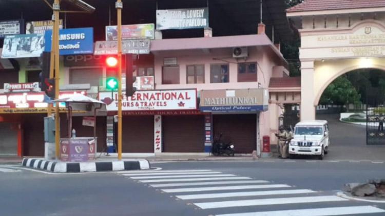 തിരുവല്ലയിൽ ട്രാഫിക് ഡ്യൂട്ടിയിലായിരുന്ന പൊലീസുകാരെൻറ ബൈക്ക് പട്ടാപ്പകൽ മോഷ്ടിച്ചു