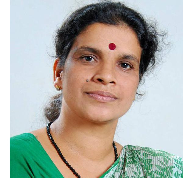 തുണിക്കട നടത്തുന്ന ഉഷാകുമാരിയെ തേടിയത്തെിയ ഒ.വി. വിജയന് പുരസ്കാരം
