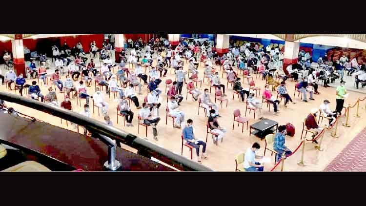 വന്ദേ ഭാരത്: അബൂദബിയിൽടിക്കറ്റെടുക്കാൻ തിരക്കേറി