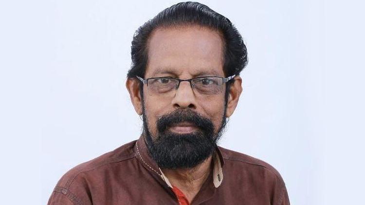 വസ്ത്രാലങ്കാരകൻ വേലായുധൻ കീഴില്ലം അന്തരിച്ചു
