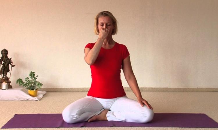 yoga-for-sinus